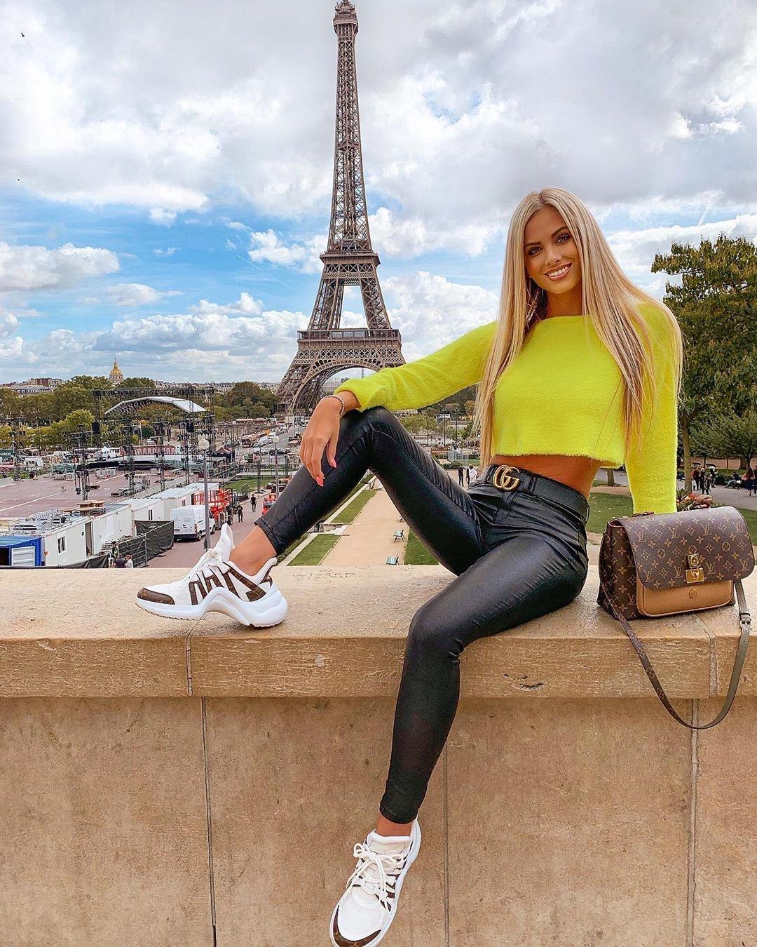 Анет Молчакова фото из Парижа